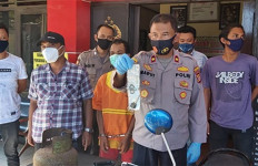 Pencuri Patah Hati, Sang Pacar Mengaku Tak Kenal di Kantor Polisi - JPNN.com