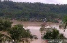 Fenomena La Nina Mulai Terasa, Warga Bantaran Sungai Siap-siap - JPNN.com
