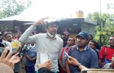 Kasus Penyerobotan Tanah di Cakung: Haris Azhar Ditantang Hadirkan Benny Tabalujan - JPNN.com