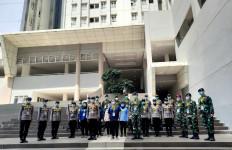 Tenaga Kesehatan di RS Covid Wisma Atlet Jakarta Peringati Hari Sumpah Pemuda - JPNN.com