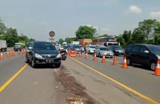 Polisi Terapkan Buka Tutup Tol Layang Japek Imbas Kecelakaan Beruntun - JPNN.com