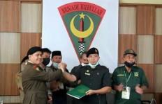 Ade Umar Terpilih Pimpin Brigade Hizbullah Bulan Bintang - JPNN.com