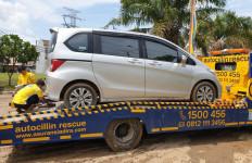 Mobil Terjebak Banjir? Jangan Lakukan Ini Agar Klaim Asuransi Diterima - JPNN.com