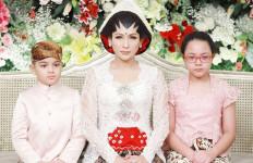 Tata Janeeta Resmi Menikah Lagi, Ini Buktinya - JPNN.com