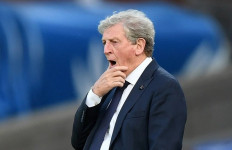Manajer Crystal Palace Tak Terima Pemainnya Diusir Wasit - JPNN.com