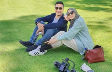 3 Berita Artis Terheboh: Istri Arie Untung Minta Cerai usai DIajak Berhijrah, Nikita Mirzani Beri Saran - JPNN.com