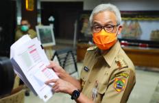 Jumlah Kasus Covid-19 di Jateng Makin Menurun, Ini Penjelasan Pak Ganjar - JPNN.com