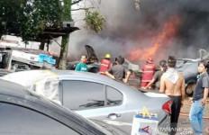 Detik-detik Puluhan Mobil di Parung Bogor Terbakar - JPNN.com