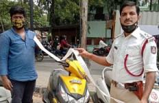 Polisi Dibuat Terkejut Saat Tilang Motor Ini - JPNN.com