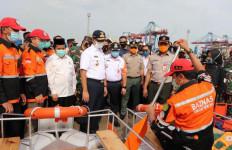 Antisipasi Banjir, Baznas Bazis DKI Jakarta Berikan 35 Unit Perahu Recycle ke Kelurahan Rawan Banjir - JPNN.com