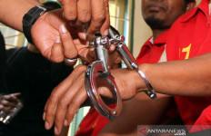 Mbak Sri Babak Belur Dianiaya Deny Rahman, Motornya Juga Dibawa Kabur - JPNN.com