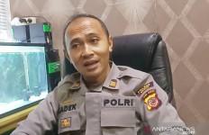 Istri Reaktif COVID-19, Suami Malah Berbuat Nekat di Kamar Mandi - JPNN.com