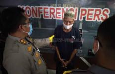 Mengelak di Hadapan Penyidik, Si Kakek Bungkam Setelah Disodorkan CCTV - JPNN.com