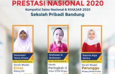 Siswa SMP dan SMA Pribadi Bandung Menyabet 6 Medali KSN 2020 - JPNN.com