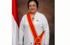 Terima Bintang Mahaputera Adipradana dari Presiden Jokowi, Menteri Siti: Ini Untuk Ayah, Ibu, dan Indonesia - JPNN.com