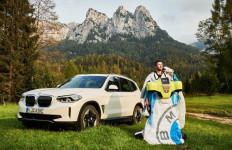 BMW Wujudkan Manusia Terbang Melalui Jubah Elektrik - JPNN.com