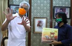 Dewa Budjana Datang ke Rumah Pak Ganjar, Bawa Lima Hadiah Istimewa - JPNN.com