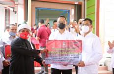 Kunjungi Sumut, Mensos Juliari Pastikan Masyarakat Terdampak Pandemi Terima Bantuan - JPNN.com