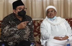 Fadli Zon Ungkap Cerita dari Habib Rizieq, tentang Operasi Intelijen? - JPNN.com