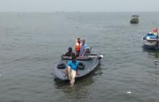 Kronologi Tiga Nelayan yang Tenggelam saat Mencari Ikan di Pantai Tanjung Pasir - JPNN.com