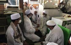 Ustaz Abdul Somad Temui Habib Rizieq di Megamendung, Ini yang Mereka Bahas - JPNN.com