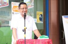 Pulang Kampung ke Simalungun, Menteri Juliari Salurkan Bansos Senilai Rp 1,3 Miliar - JPNN.com