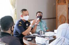 Bea Cukai Sosialisasikan Langkah Pencegahan Rokok dan Miras Ilegal - JPNN.com