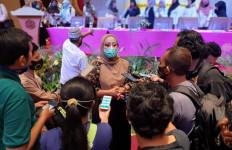 Gandeng PGRI, Iis Edhy Prabowo Sosialisasikan 4 Pilar kepada Kalangan Guru Kabupaten Bandung - JPNN.com