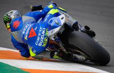 Lihat Detik-Detik Si Pemimpin Klasemen Jatuh di FP2 MotoGP Valencia - JPNN.com