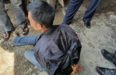 Tepergok Mencuri Beras, Mastariansyah Diamuk Massa, Sepeda Motor Ikut Jadi Sasaran - JPNN.com