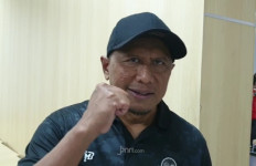 Komentar Pelatih Madura United Soal Pemain yang Main Tarkam - JPNN.com
