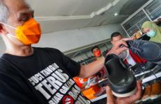 Datang ke Asahan, Pak Ganjar Langsung Jatuh Hati pada Sepatu Bunut - JPNN.com