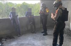 Pacaran di Gedung Kosong, Mengaku Cuma Foto-Foto, Ternyata - JPNN.com