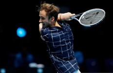 ATP Finals 2020: Daniil Medvedev Menang Mudah dari Novak Djokovic - JPNN.com