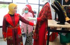 Siti Atikoh Minta UMKM Mencontoh Anne Avantie - JPNN.com