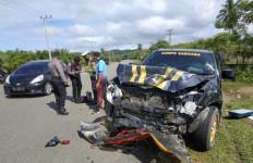 Kecelakaan Maut Honda Brio vs Mobil Patroli, Sarinande Meninggal Dunia, Nih Penampakannya - JPNN.com