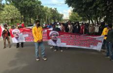 Sikapi Kerumunan Pendukung Habib Rizieq, Mahasiswa Gelar Demo di Kantor Anies - JPNN.com