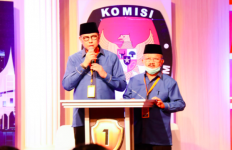 Mulyadi-Ali Mukhni Kuasai Program Pembangunan Sumbar dalam Debat Pertama - JPNN.com