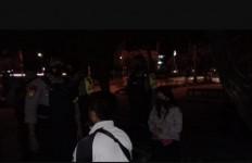 Pria Beristri Ajak Janda Muda Mesum di Taman, Eh, Kamu Ketahuan... - JPNN.com