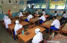 Sekolah di Karawang Siap Menjalani KBM Tatap Muka - JPNN.com