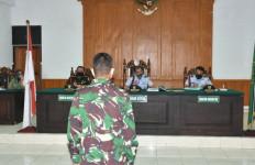 Letda Oky dan Serda Mikhael Dipecat dari TNI, Sembilan Prajurit Lagi Dihukum Mulai 9-12 Bulan Penjara - JPNN.com