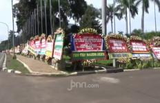 Karangan Bunga Penuhi Markas Kodam Jaya, Dukung TNI yang Copot Baliho Habib Rizieq - JPNN.com