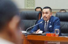 Sahroni Minta Menkes Dahulukan Vaksinasi Covid-19 untuk TNI-Polri, DPR Belakangan Saja - JPNN.com