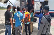 Tiga Warga Hilang, 2 Pelajar Ditembak OTK, Brutal - JPNN.com