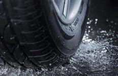 Tak Hanya Tekanan Angin Ban, Bagian Ini Perlu Diperhatikan Saat Musim Hujan - JPNN.com