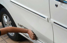 Mobil Terguyur Hujan, Apakah Perlu Dicuci? - JPNN.com