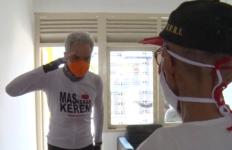 Pak Ganjar Datang Lagi ke Rumah Veteran Kapten Cpm Sanjoto, Ini yang Dilakukannya - JPNN.com