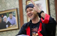 Pak Ganjar Bikin Peserta Daring Kaget dengan Gaya Berpakaiannya Hari Ini - JPNN.com