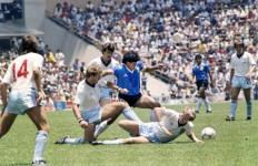 """Maradona Tak Pernah Minta Maaf Atas Gol """"Tangan Tuhannya"""" - JPNN.com"""