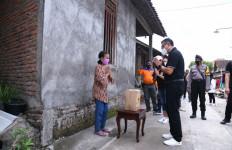 Beri Bantuan 4.000 Sembako, CEO Bhayangkara Solo FC Minta Doa Restu Masyarakat - JPNN.com